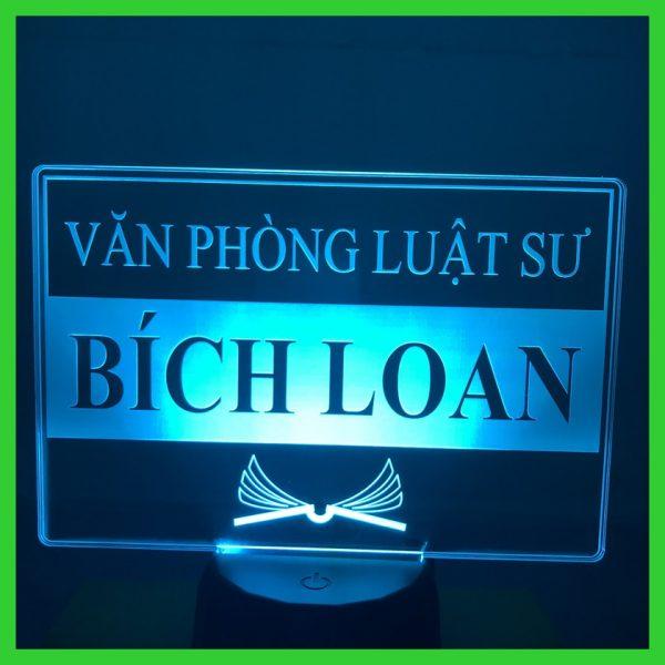 Đèn khắc Hình Thương Hiệu để bàn theo yêu cầu khachinh.com
