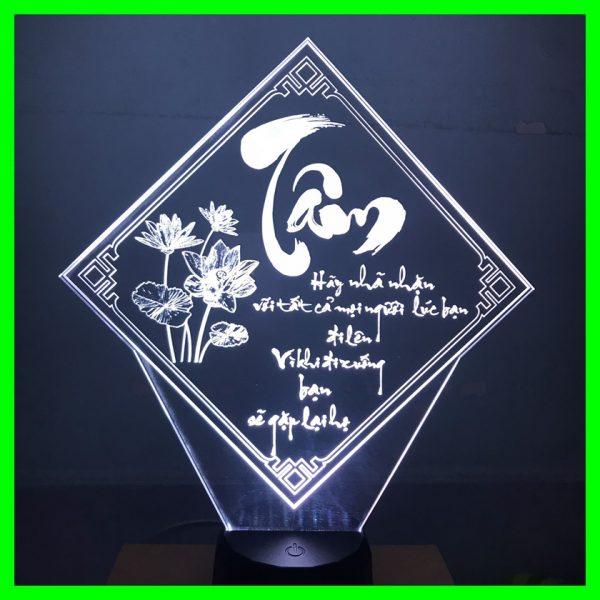 Đèn thư pháp khắc hình chữ Tâm theo yêu cầu. khachinh.com