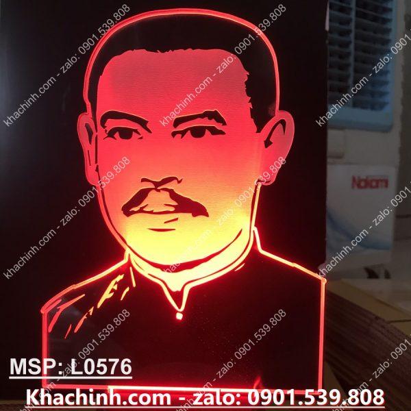 Đèn led khắc tượng cha Trương Bửu Diệp khachinh.com