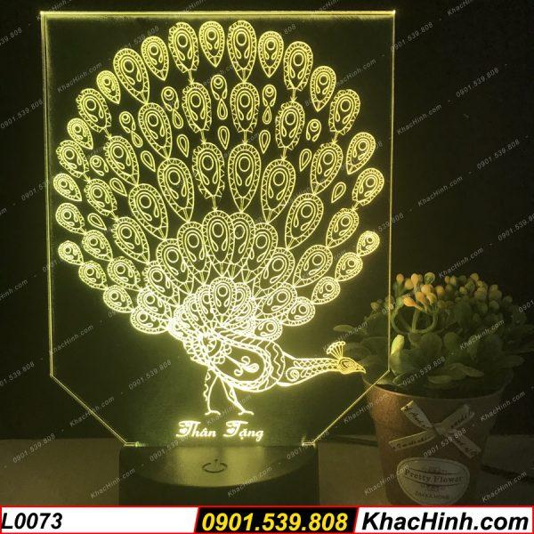 Đèn ngủ khắc hình con Công. đèn trang trí để bàn, đèn khắc hình theo yêu cầu, quà tặng ý nghĩa,Đèn Ngủ Hình Cá Nhân ( Đèn Ngủ Khắc Hình ) khachinh.com