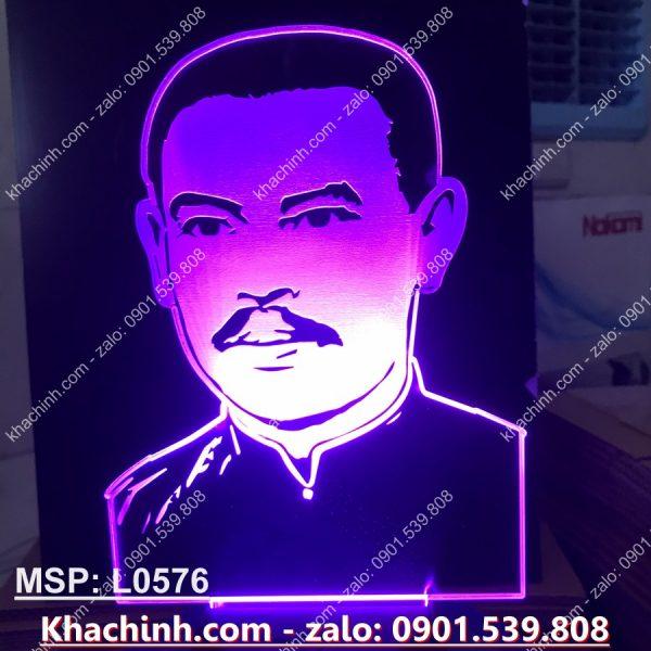 Đèn khắc tượng cha Trương Bửu Diệp, khắc hình theo yêu cầu khachinh.com