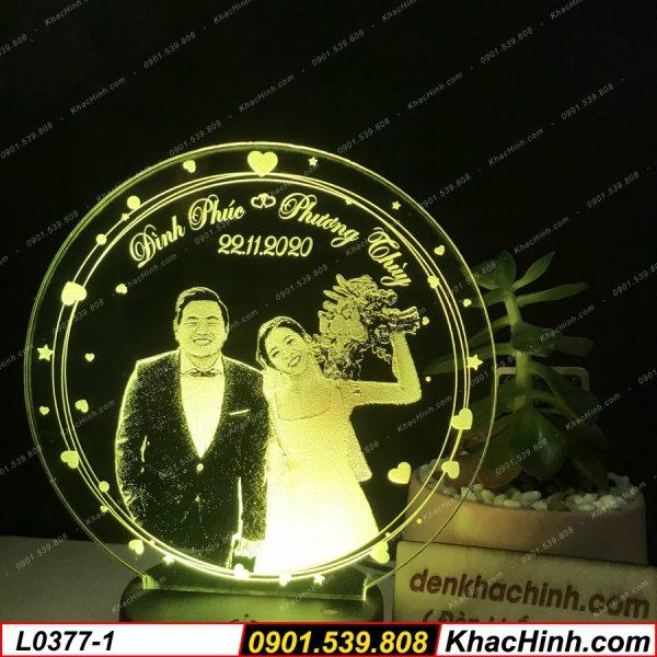 Đèn ngủ khắc hình theo yêu cầu, quà cưới, quà tặng độc đáo, đèn trang trí khachinh.com